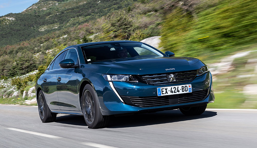 Al volante del nuevo Peugeot 508, berlina deportiva con tecnología punta