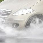 La lluvia dispara un 70 % el riesgo de accidente