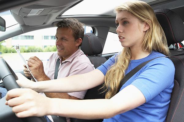 Cinco consejos para aprobar el carné de conducir a la primera