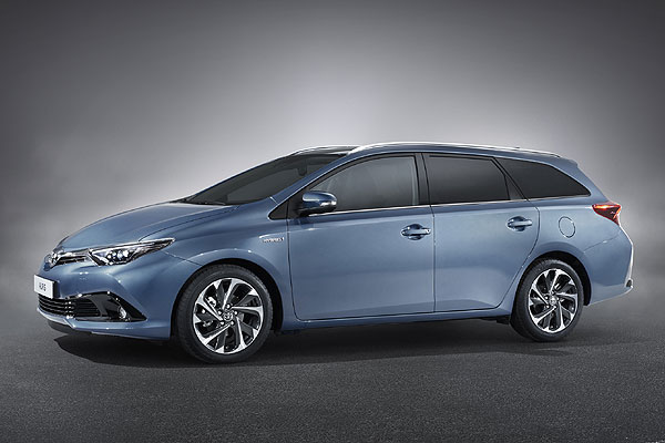 toyota auris y avensis touring sports. Black Bedroom Furniture Sets. Home Design Ideas