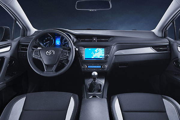 Toyota-Avensis-Touring-Sport