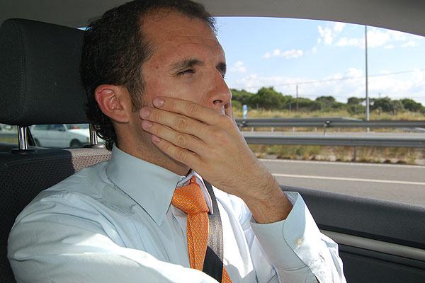 ¿Cómo luchar contra la somnolencia al volante?