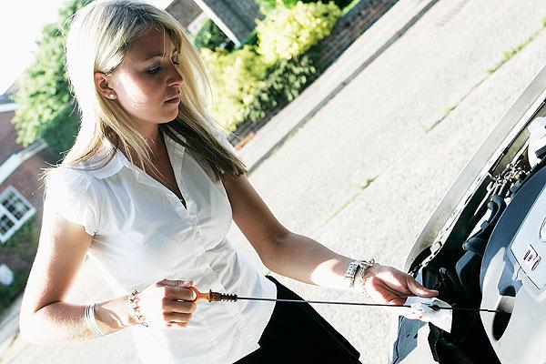 El 25 % de los conductores no revisa su coche antes de salir de viaje