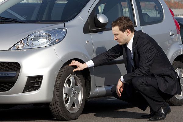 ¿Vas a comprar un coche a un particular? Mira esto antes