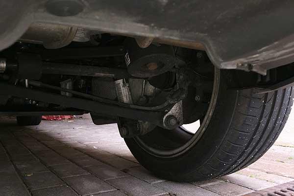 Los neumáticos se desgastan más rápidamente con una suspensión en mal estado