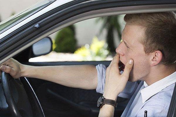La mayoría de los conductores admite no descansar cuando tiene sueño