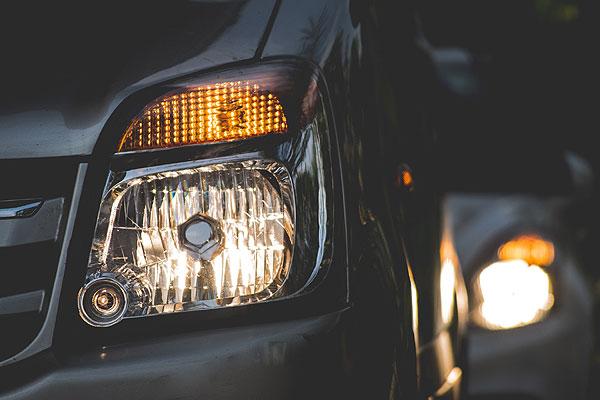 ¿Cómo mejorar la seguridad en la conducción nocturna?