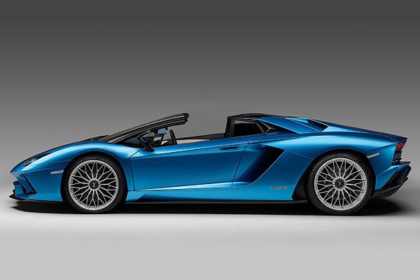 Lamborghini Aventador Roadster S