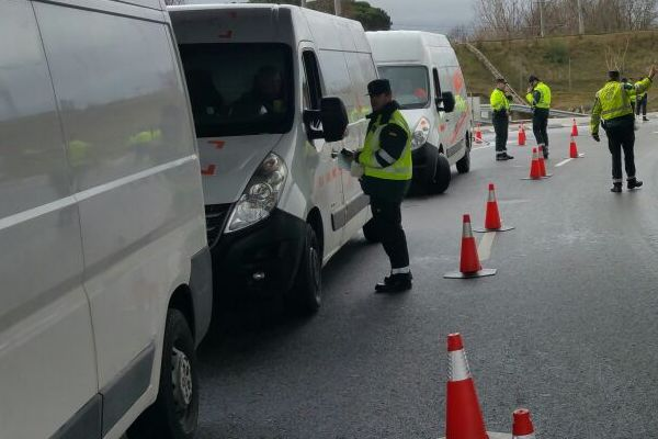 Controles de la DGT: Una de cada cuatro furgonetas no tiene la ITV al día
