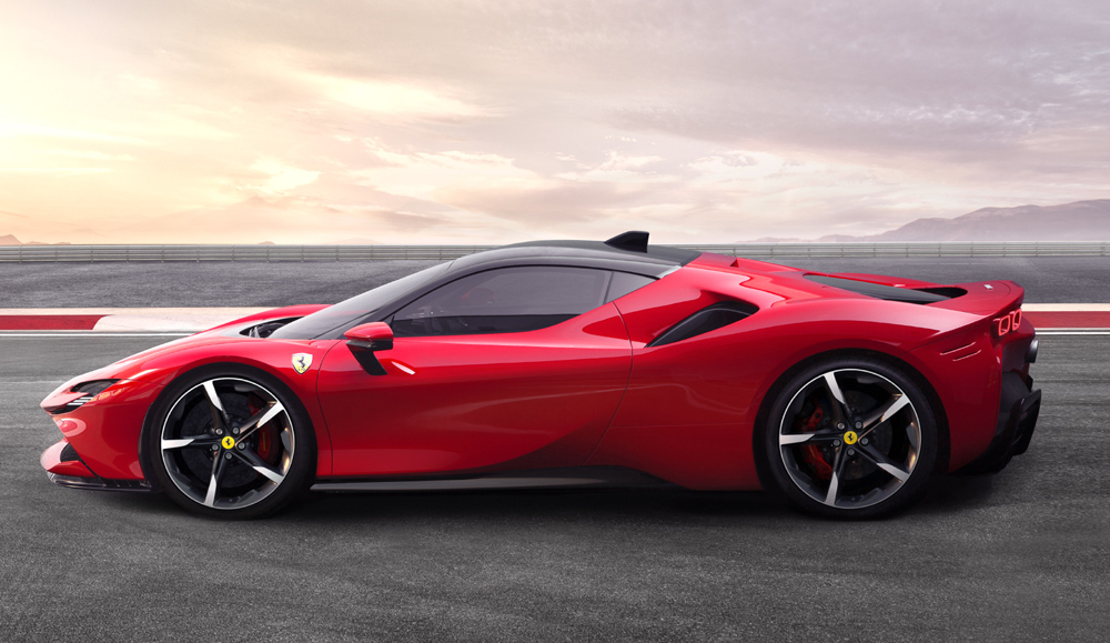 Ferrari SF90 Stradale, el primer híbrido enchufable del Cavallino