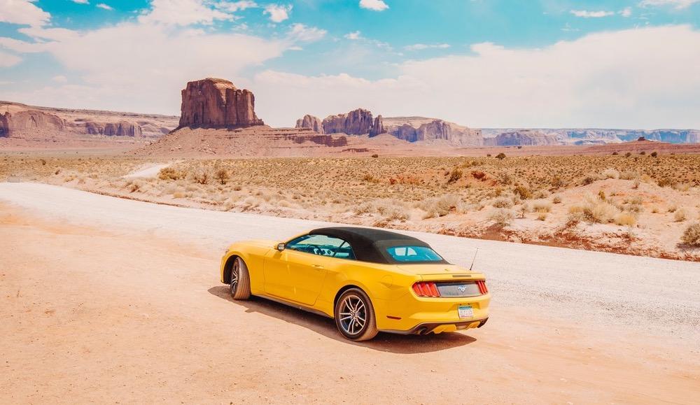 Si viajas a EE.UU. aquí tienes 8 coches de película para alquilar