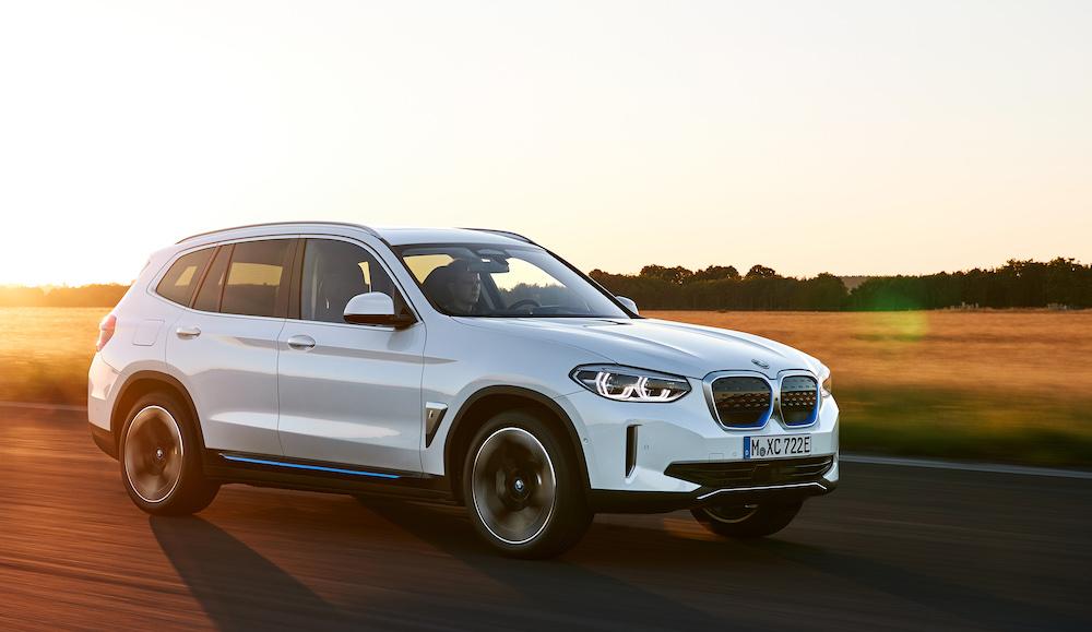 Al volante del BMW iX3, es como el X3 pero 100 % eléctrico